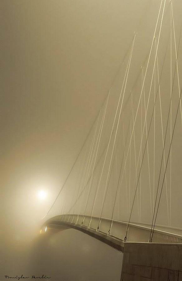 [url=http://www.osijek031.com/osijek.php?topic_id=48975][FOTO] Viseći pješački most u Osijeku - kroz objektiv građana[/url]  Foto: Tomislav Pavelić