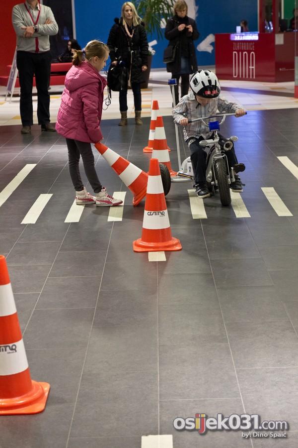 [url=http://www.osijek031.com/osijek.php?topic_id=49765][FOTO] Klinci u Avenue Mallu naučili strane jezike i kako biti siguran u prometu[/url]  Foto: Dino Spaić