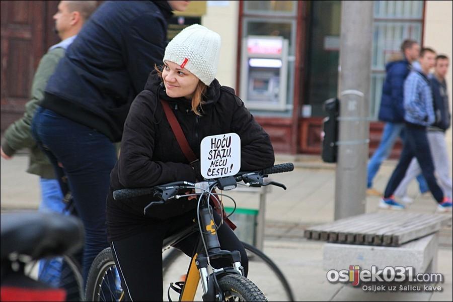 [url=http://www.osijek031.com/osijek.php?topic_id=49764][FOTO] Odvožena prva masovna zimska biciklijada