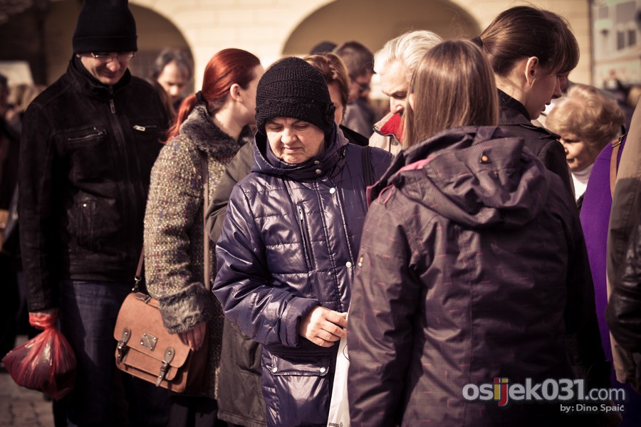 [url=http://www.osijek031.com/osijek.php?topic_id=49894][FOTO] Uz sunce i toplo vrijeme održan još jedan Sajam antikviteta [ožujak 2014.][/url]  Foto: Dino Spaić