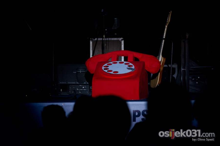 [url=http://www.osijek031.com/osijek.php?topic_id=50450][FOTO] Vokalni sastav Akvarel odličnim koncertom predstavio prvi album[/url]  Foto: Dino Spaić
