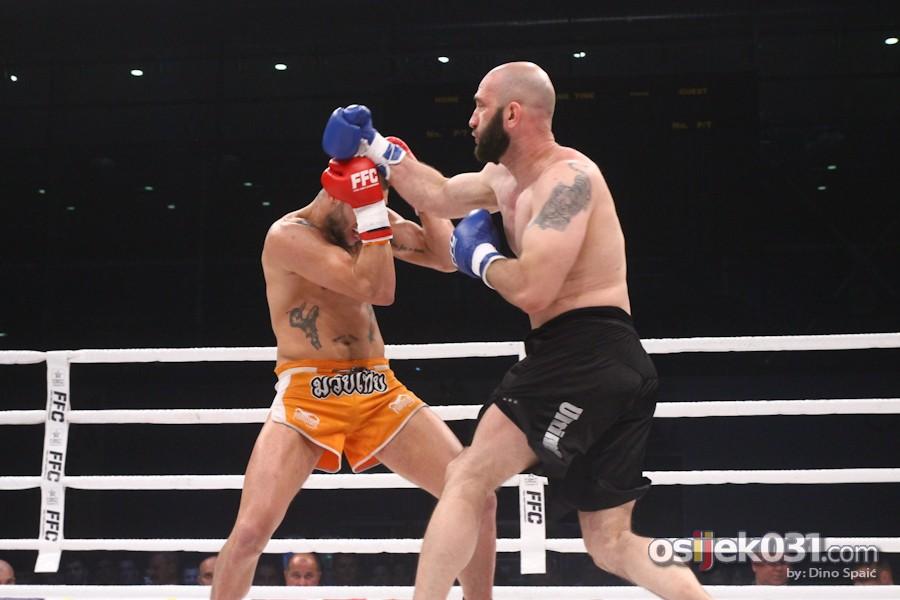 [url=http://www.osijek031.com/osijek.php?topic_id=50550][FOTO] Odlične borbe na Final Fight Championshipu u Osijeku[/url]