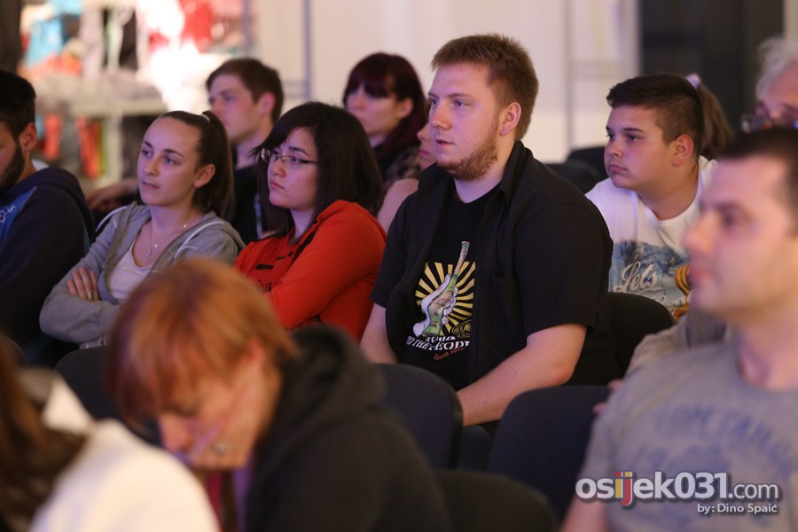 [url=http://www.osijek031.com/osijek.php?topic_id=51141][FOTO] Započeo 2. Međunarodni festival magije