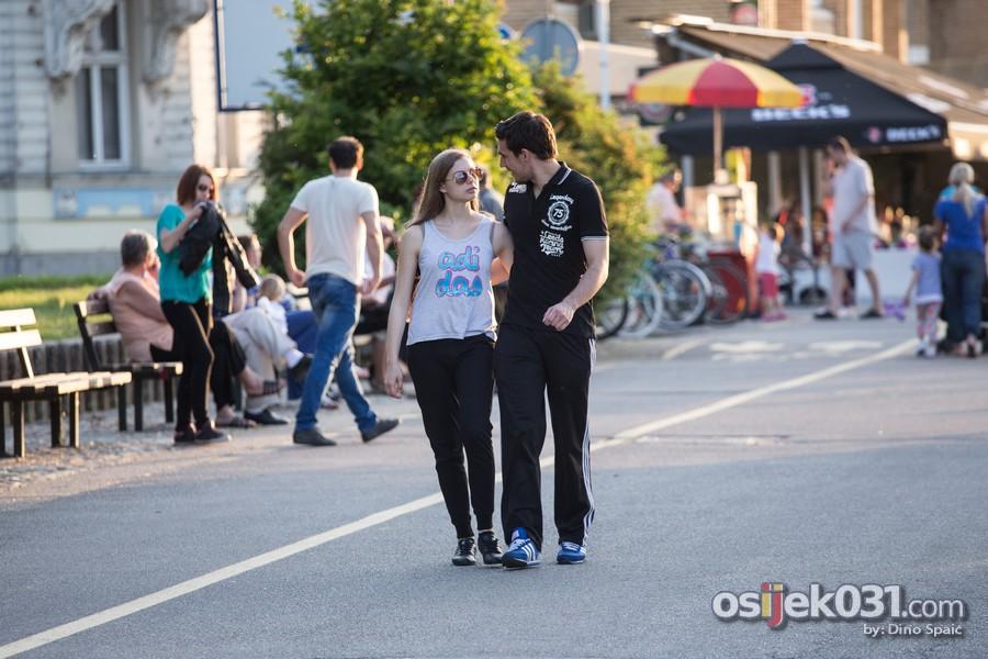 [url=http://www.osijek031.com/osijek.php?topic_id=51421][FOTO] Osječani uživali u šetnji gradom [svibanj #2, 2014.][/url]  Foto: Dino Spaić