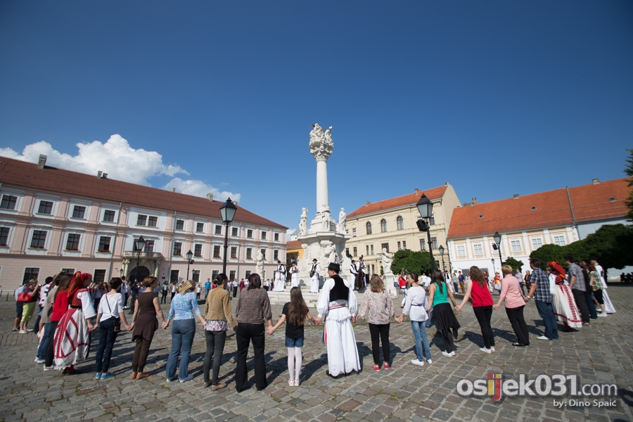 [url=http://www.osijek031.com/osijek.php?topic_id=51584][FOTO] HKUD Osijek 1862 i Ana Rucner snimali video spot