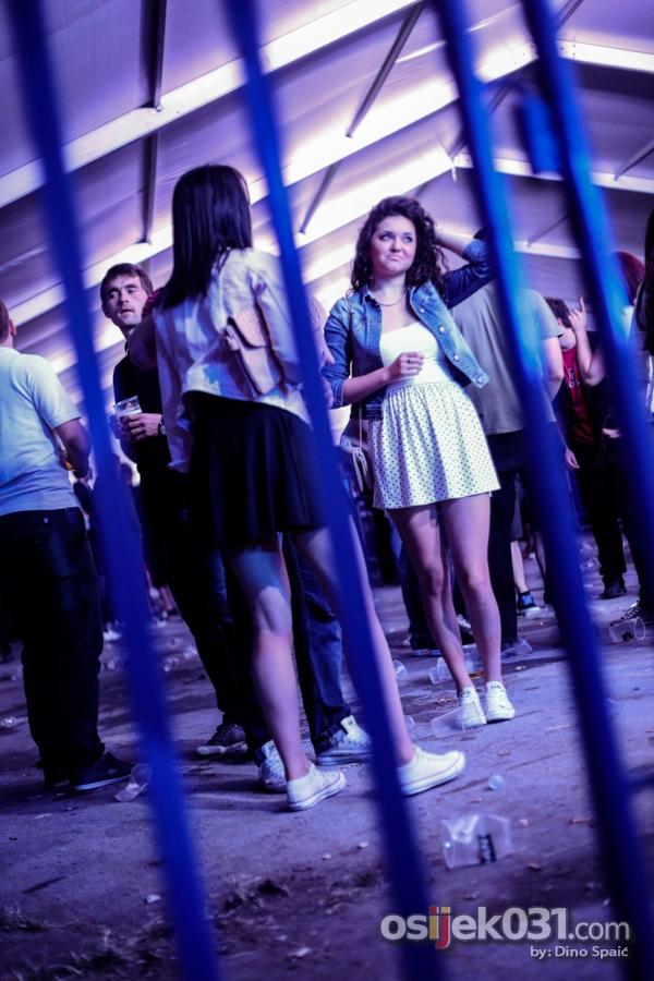[url=http://www.osijek031.com/osijek.php?topic_id=51641][FOTO i VIDEO] OLJM 2014.: Jura Stublić & Film raspjevali šator u dvorištu Vege [četvrtak, dan #2][/url]  Foto: Dino Spaić
