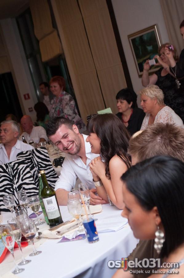 [url=http://www.osijek031.com/osijek.php?topic_id=51681][FOTO] Orijentalna večera - trbušni ples u Zoo hotelu[/url]  Foto: Darko Grundler