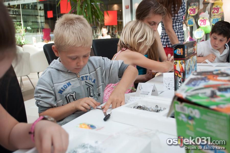 [url=http://www.osijek031.com/osijek.php?topic_id=51790][FOTO] Mališani sklapali konstruktorske dijelove u Avenue Mallu Osijek[/url]  Foto: Darko Grundler