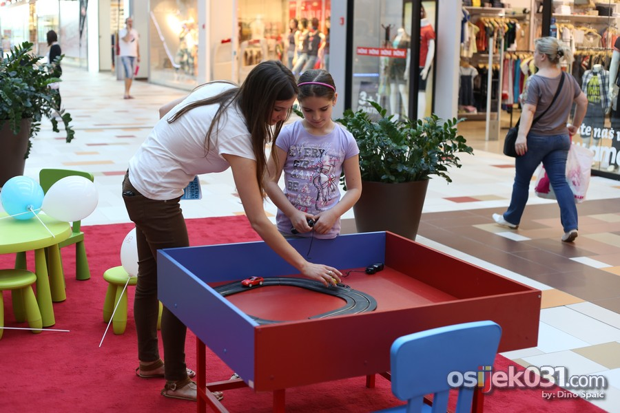 [url=http://www.osijek031.com/osijek.php?topic_id=51861][FOTO] Mališani se zabavljali u 'Dječjem korneru' u Avenue Mallu Osijek[/url]  Foto: Dino Spaić