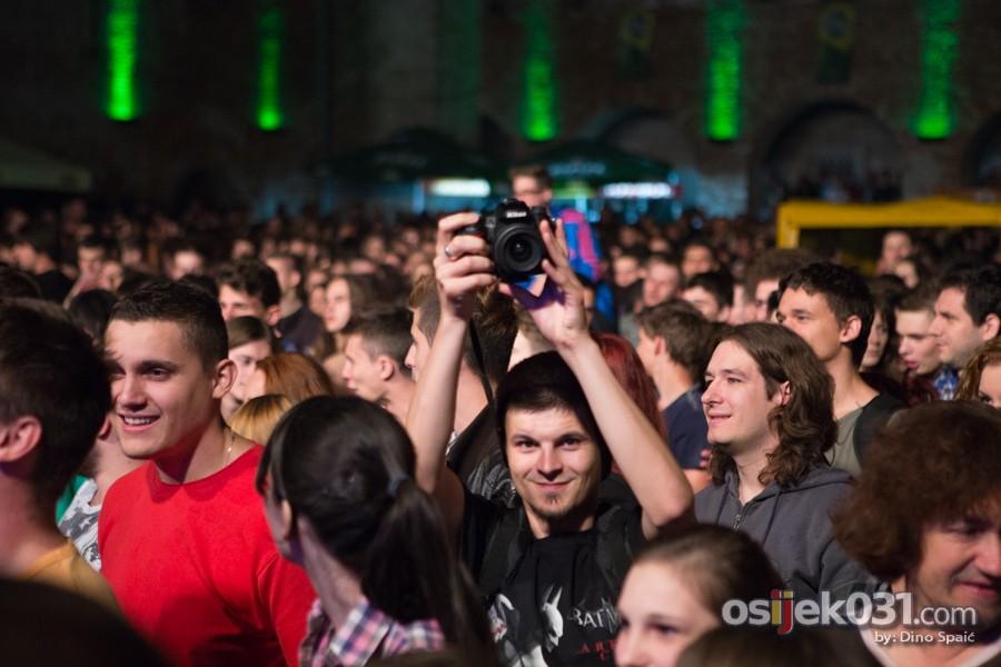 [url=http://www.osijek031.com/osijek.php?topic_id=51884][FOTO] Hladno pivo odličnim koncertom zatvorilo ovogodišnji UFO [subota, dan #4][2014.][/url]  Foto: Dino Spaić
