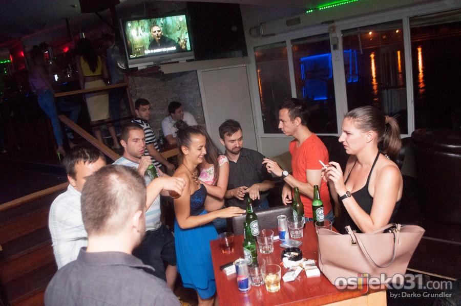 Cocktail barKA  Ključne riječi: Cocktail-barKA