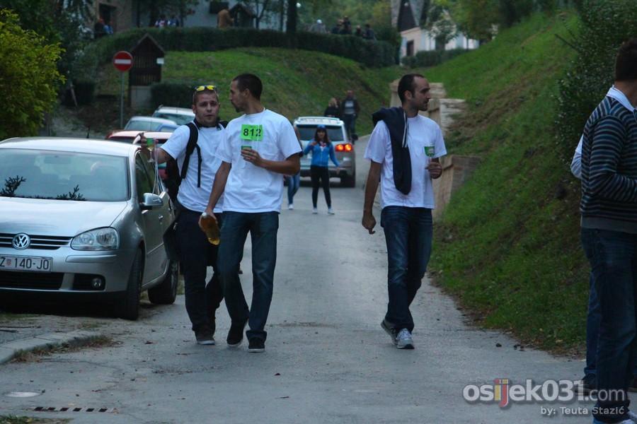 Vinski maraton u Zmajevcu 2014.  [url=http://www.osijek031.com/osijek.php?topic_id=53204][FOTO] Vinski maraton u Zmajevcu ugostio natjecatelje iz cijele regije[/url]  Ključne riječi: vinski-maraton