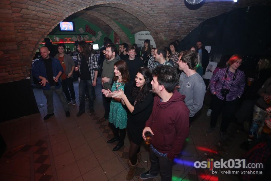Club EXIT  Ključne riječi: Club-EXIT