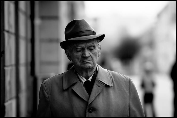 U prolazu  Foto: Samir Kurtagić  Ključne riječi: prolazu