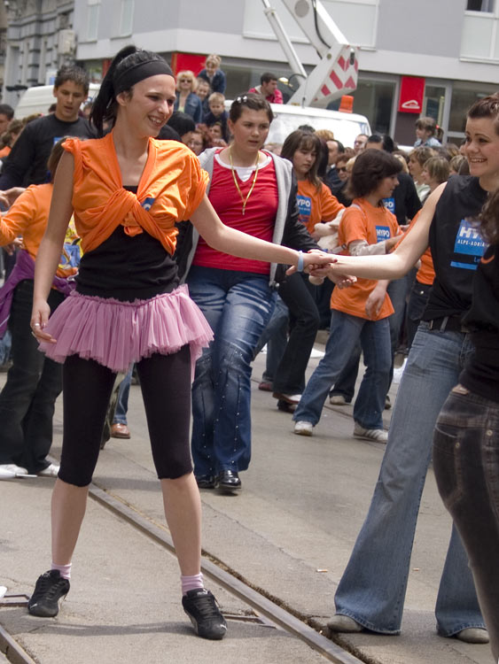 Labudica  Photo: steam  Ključne riječi: osijek, maturanti, norijada, quadrilla, guinness, world, record, dance, ples, strauss