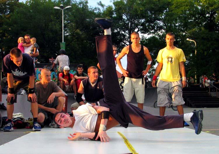 Pravokutni chopper  Photo: [url=http://www.osijek031.com/profile.php?mode=viewprofile&u=3]cacan[/url]  Ključne riječi: osijek break dance pannonian challenge 6 slike fotke photo