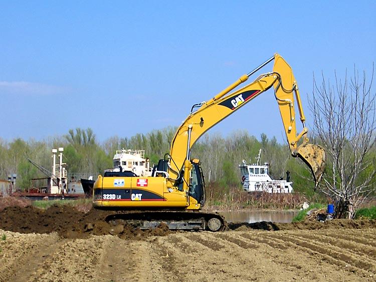 Gradnja nasipa  Zeleno polje  Photo: Steam  Ključne riječi: osijek poplava