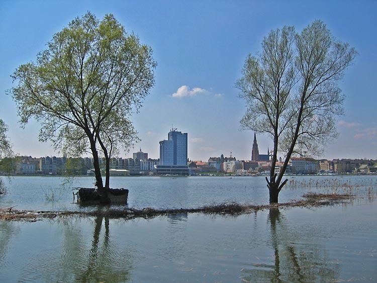 Preko sedam mora  Photo: Steam  Ključne riječi: osijek poplava