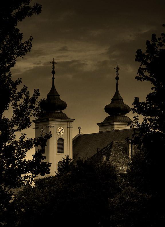 Mystic church  Foto: borissey  Ključne riječi: crkva