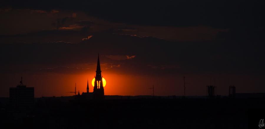 Osječki zalaz  Foto:Igor Ralic  Ključne riječi: zalaz zalazak katedrala