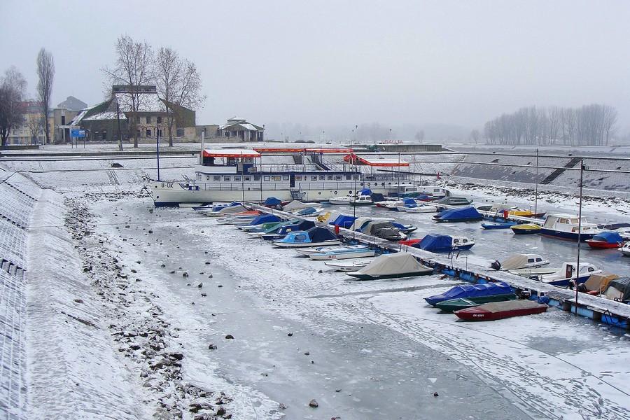 Ledeno doba  Foto: Milan Nadalin  Ključne riječi: zimska luka zima led snijeg