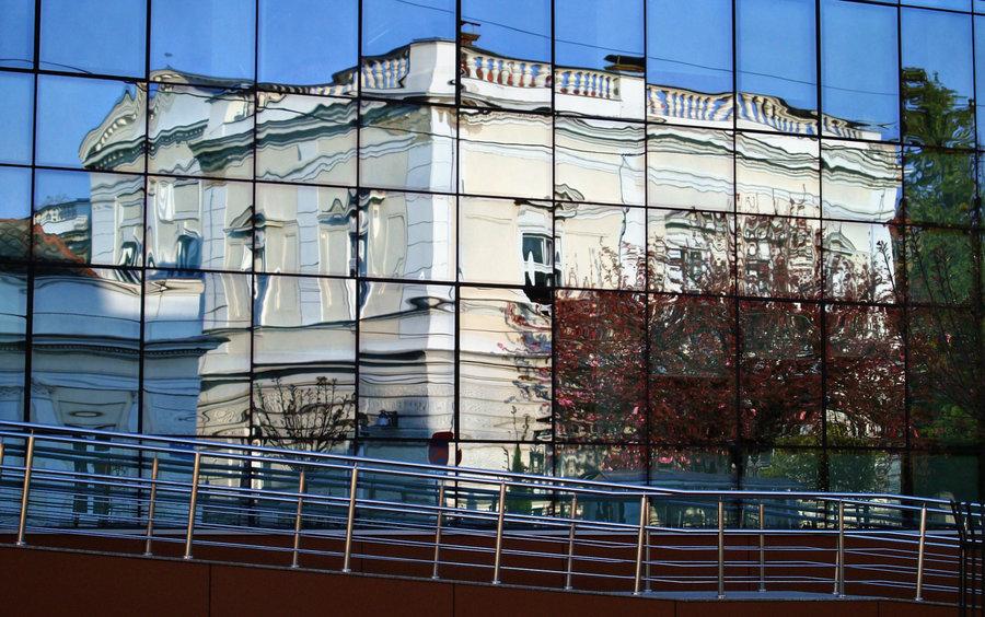 Odraz  Foto: [url=http://www.mojosijek.deviantart.com/]Domagoj Sajter[/url]  Ključne riječi: odraz zio