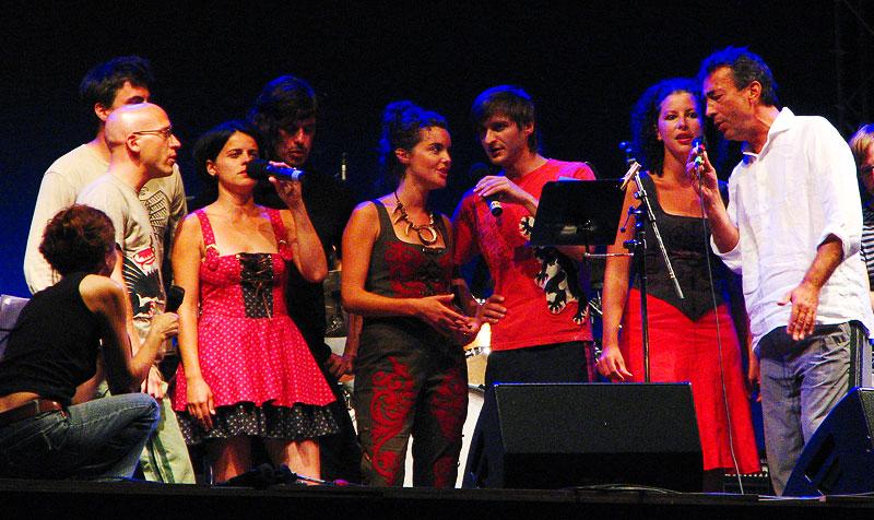 Tamara Obrovac i Hubert von Goisern band  [url=http://www.osijek031.com/osijek.php?najava_id=8450]Linz Europa Tour 2007. i Tamara Obrovac[/url]  Foto: KCimer [url=http://skviki.osijek031.com/]photoblog[/url]  Ključne riječi: koncert tamara obrovac linz