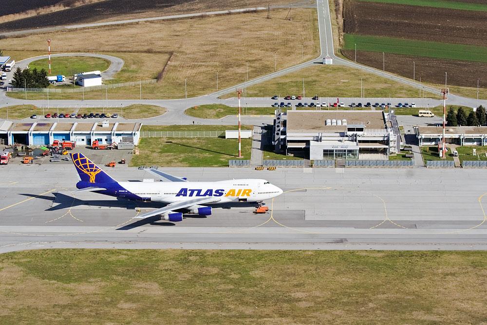 747 BoJing  Teletina 2.0!  Foto: Toni  Ključne riječi: teletina klisa 747