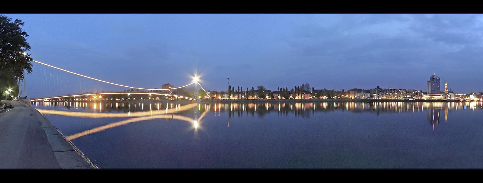 Osijek  Osijek  Foto: Toni   Ključne riječi: osijek most hotel crkva plavi sat