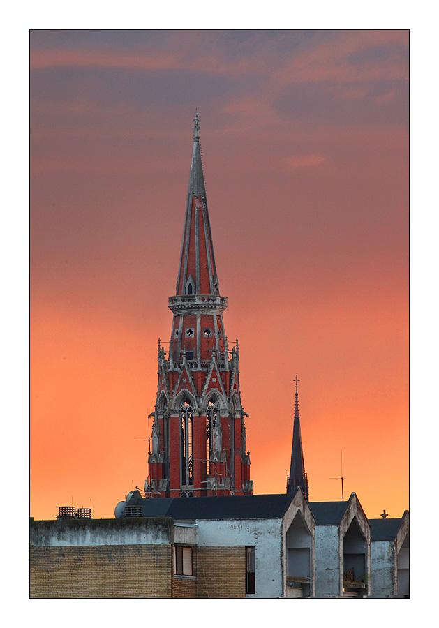 Sunset  Foto: [b]Tomislav Šilovinac[/b]  Ključne riječi: osijek konkatedrala
