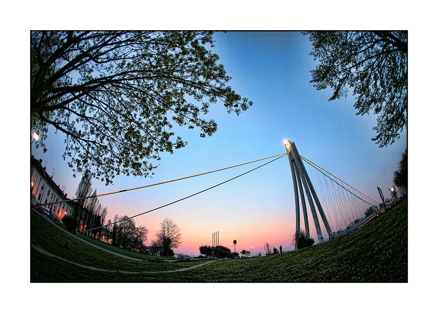 Most  Foto: Tomislav Šilovinac  Ključne riječi: osijek most