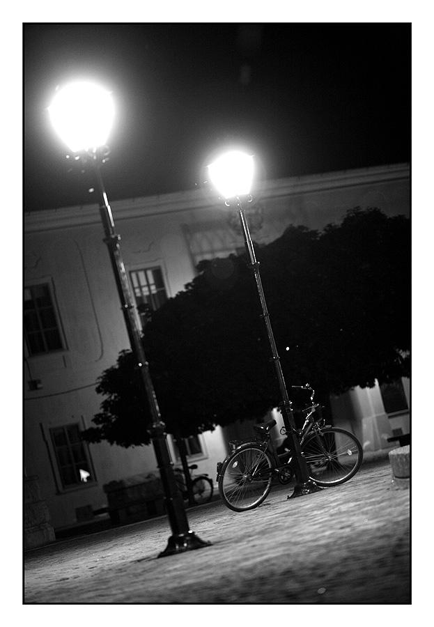 Parkirano 'biciklo'  foto: Tomislav Šilovinac (sikki)   Ključne riječi: bicikl tvrdja