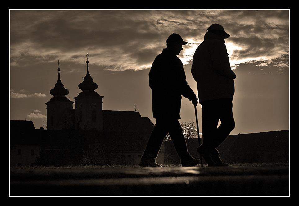 Popodnevna šetnja  Foto: Sikki  Ključne riječi: osijek setnja promenada tvrdja