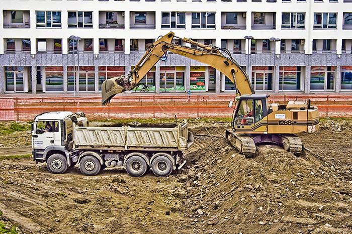 Počeli su rovat'  Blok Centar II  Foto: Isis  Ključne riječi: bager blok centar II osijek gradilište