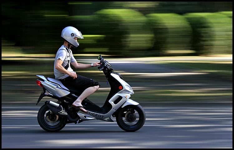 Scooter  Photo: Ivan Sekol  Ključne riječi: ivan sekol scooter osijek europske avenije