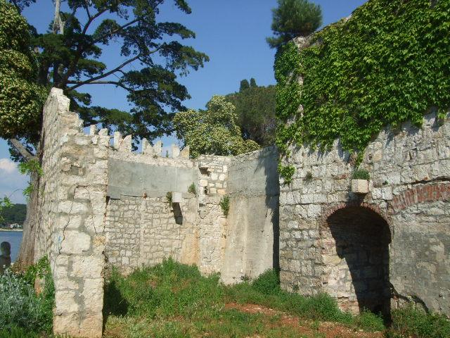 ostaci samostana, otok Sv. Andrije