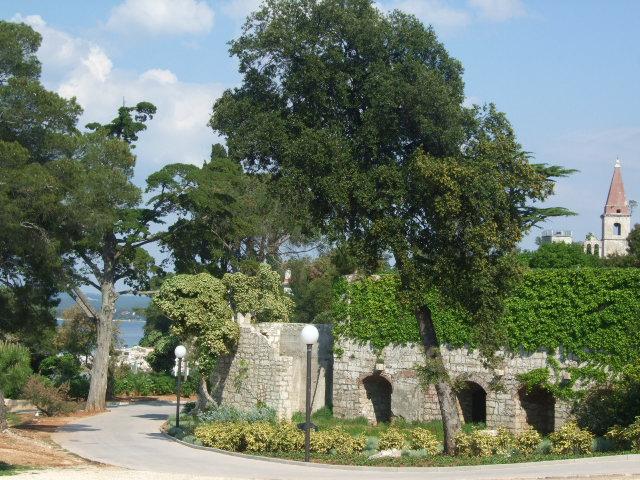 ostaci samostana, otok Sv. Andrije 2