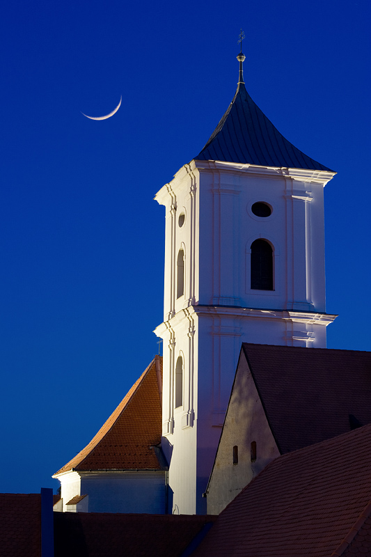 Moonlit Tower  Photo: [url=http://davorplesa.com]Davor Pleša[/url]  Ključne riječi: tvrdja mjesec crkva sv kriza davor