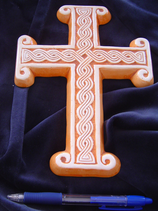 križ  Ključne riječi: keramika pleter