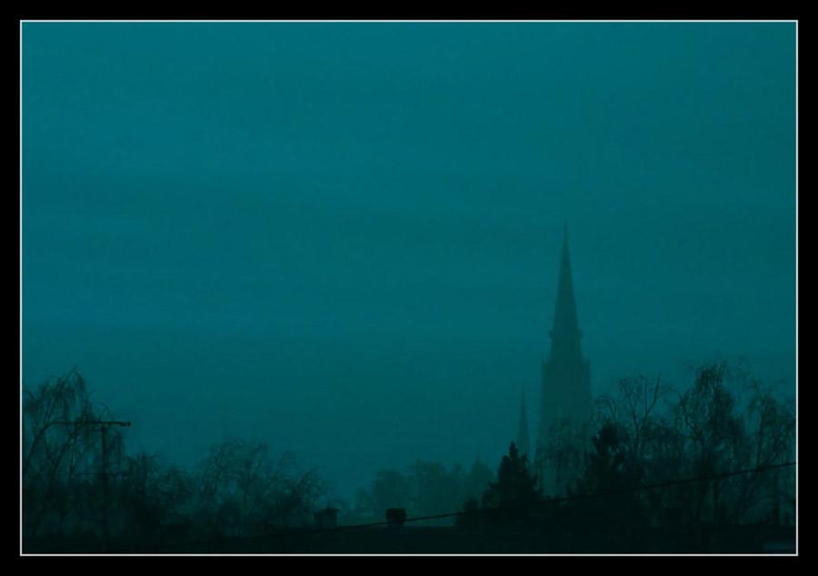 Plavi Grad  Foto: grrrrrrrr  Ključne riječi: osijek plavo nebo katedrala