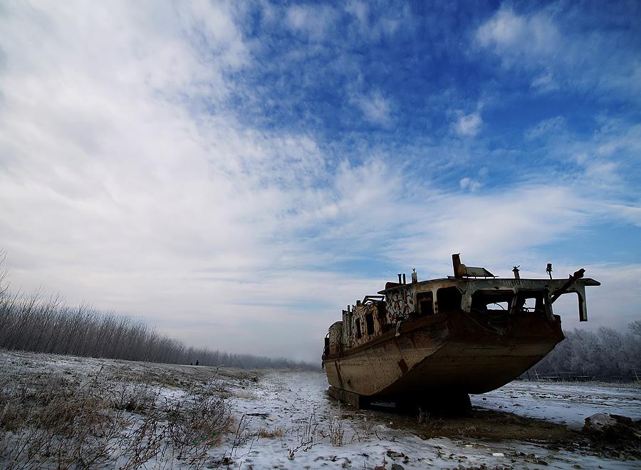 Ruzinavi brod  Foto: Jasmina Gorjanski  Ključne riječi: ruzinavi brod zima snijeg