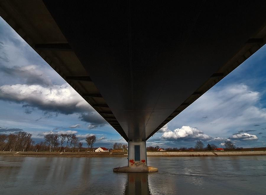 Srca ispod mosta  Foto: Jasmina Gorjanski  Ključne riječi: srca ispod mosta