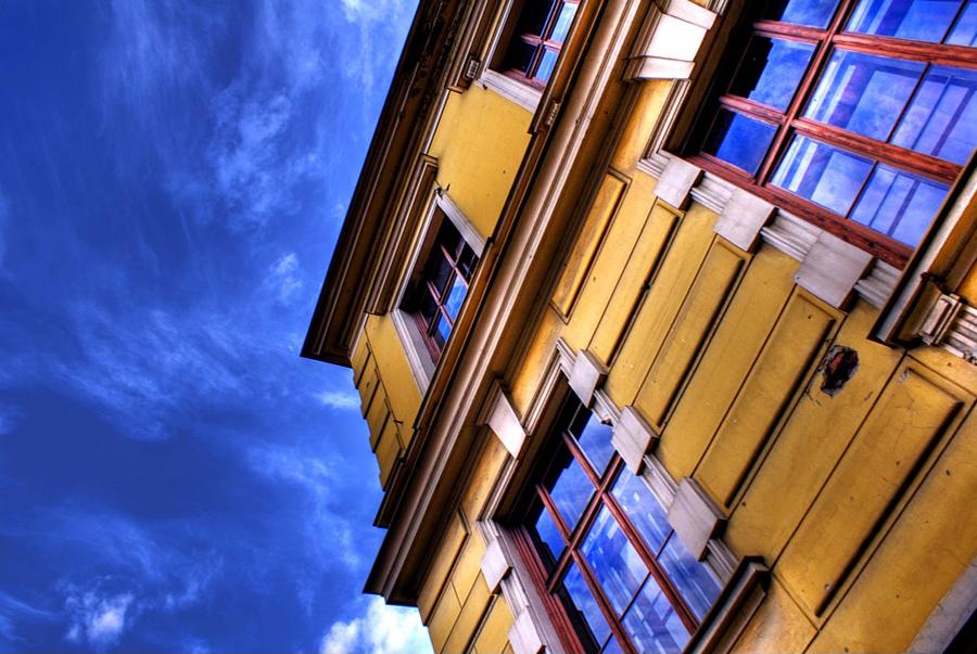 Windows  Foto: [b]Vedran Ayami Janić[/b]  Ključne riječi: windows nebo