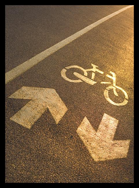 Bike directions  Foto: Osmanagic Senad   Ključne riječi: bike biciklisticka staza oznake