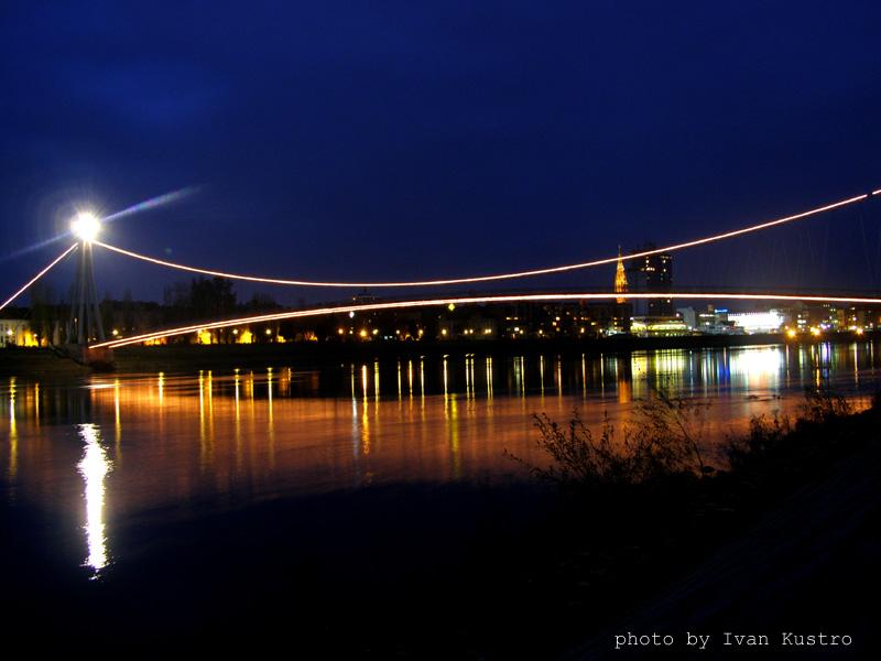 Pješački most  Foto: [b]Ivan Kuštro[/b]  Ključne riječi: pjesacki most drava