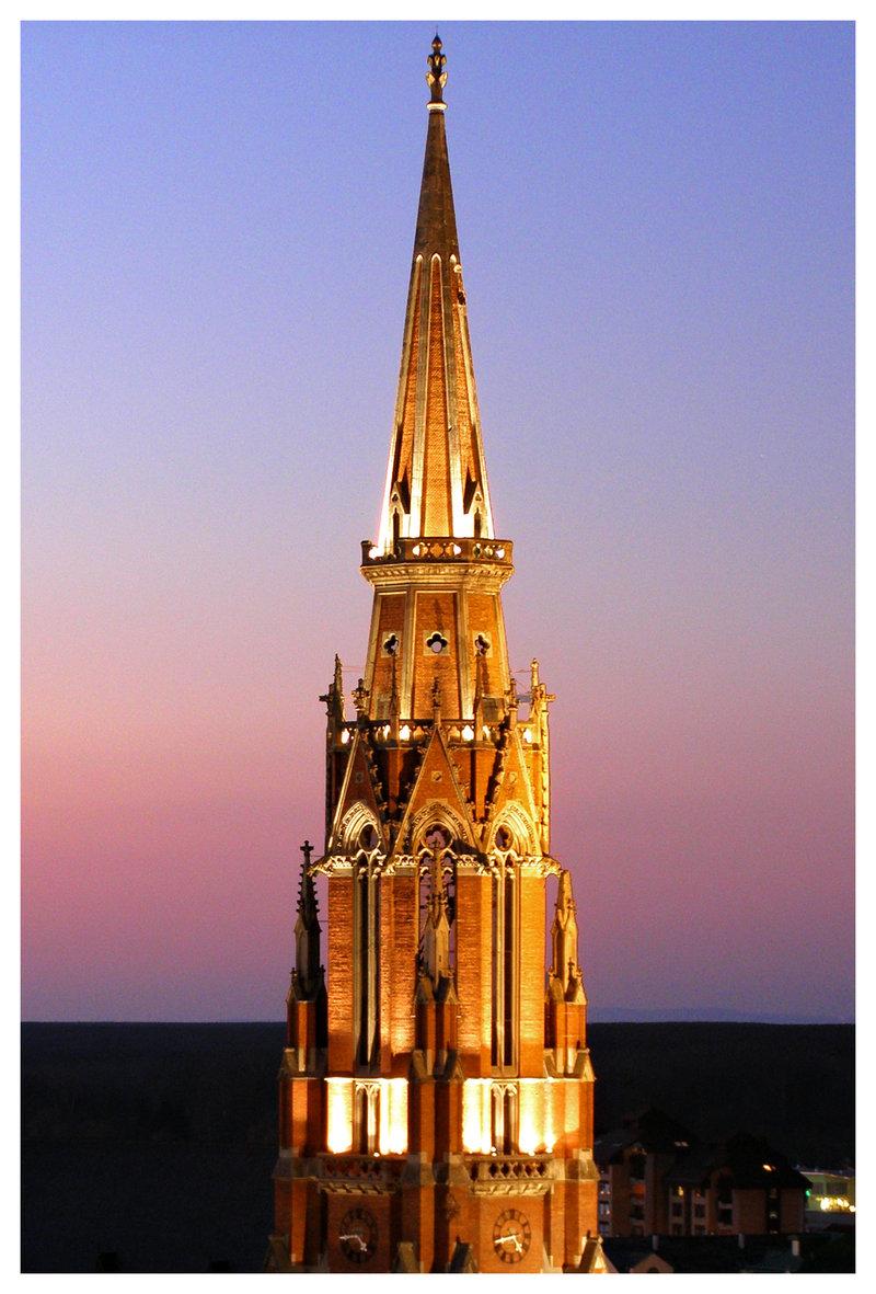 Sumrak  Foto: [url=http://www.domagojs.deviantart.com/]Domagoj Sajter[/url]  Ključne riječi: sumrak katedrala toranj