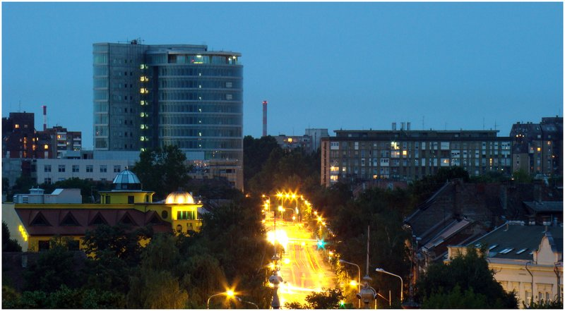 Road to he City  Foto: [b]Alek Sarkanjac[/b]  Ključne riječi: road-to-the-city eurodom