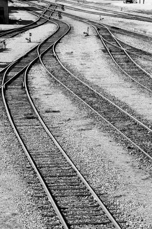 Kojim putem?  Foto: [b]Réka Valkai[/b]  Ključne riječi: kojim-putem zeljeznica pruga