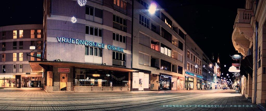 City light  Foto: [b]Krunoslav Perasović[/b]  Ključne riječi: panorama osijek