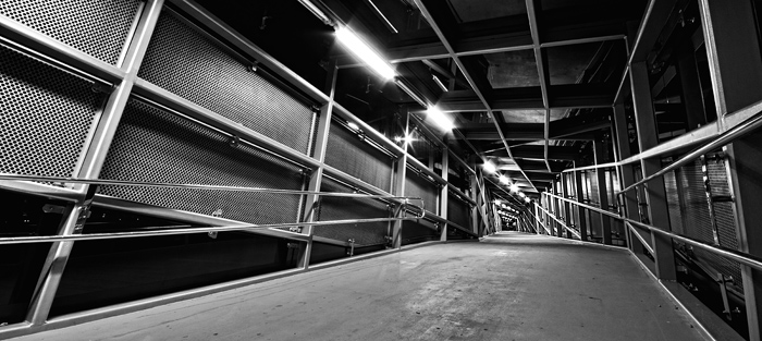 Night tunnel  Foto: [b]Vladimir Živković[/b] [email]oriontrail@gmail.com[/email]    Ključne riječi: night-tunnel nathodnik